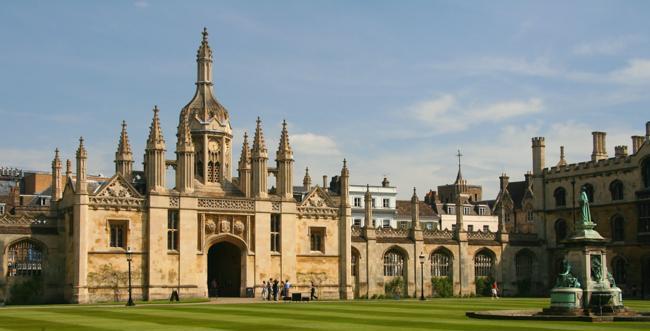 英国大学累计确诊新冠人数39,000+,剑桥大学放话:想毕业就老实待在宿舍